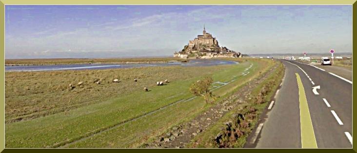 Mont Saint-Michel con la bassa marea.