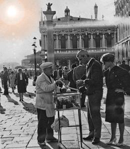 Venezia – Il venditore di caramelli – 1961 – Ernesto Giorgi ©